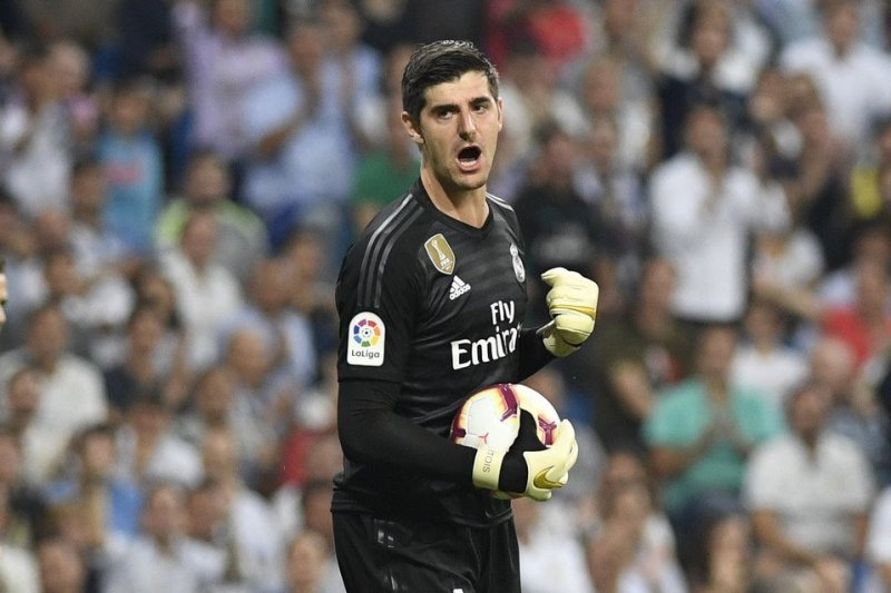 pe,main Thibaut Courtois