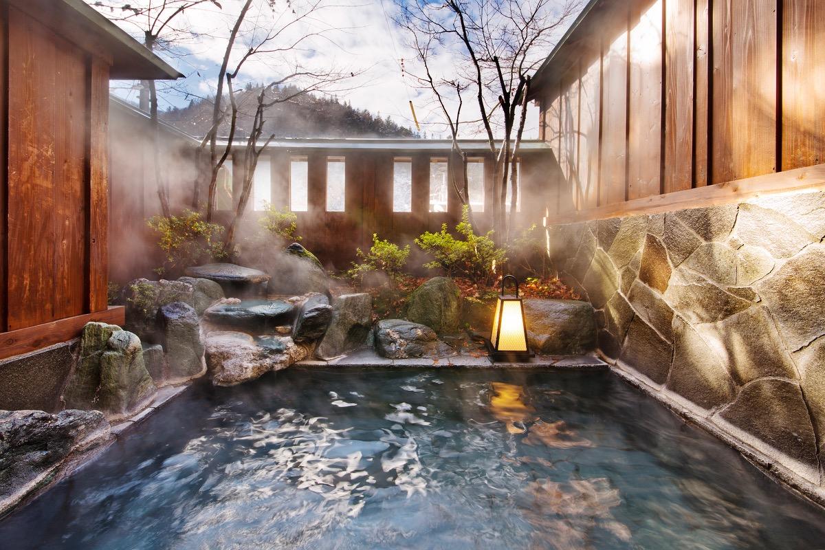 Pengalaman Onsen di Jepang Oleh Ashari Yudha